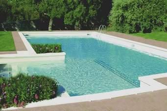 bien construire sa piscine et son installation de. Black Bedroom Furniture Sets. Home Design Ideas