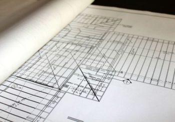 plans d'une maison en cours de construction